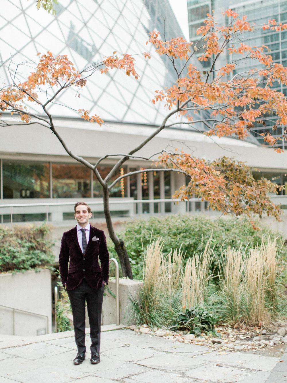 Toronto-wedding-photographer-intimate-italian-the-burroughes-downtown25.jpg