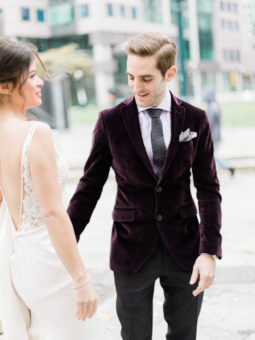 Toronto-wedding-photographer-intimate-italian-the-burroughes-downtown30.jpg