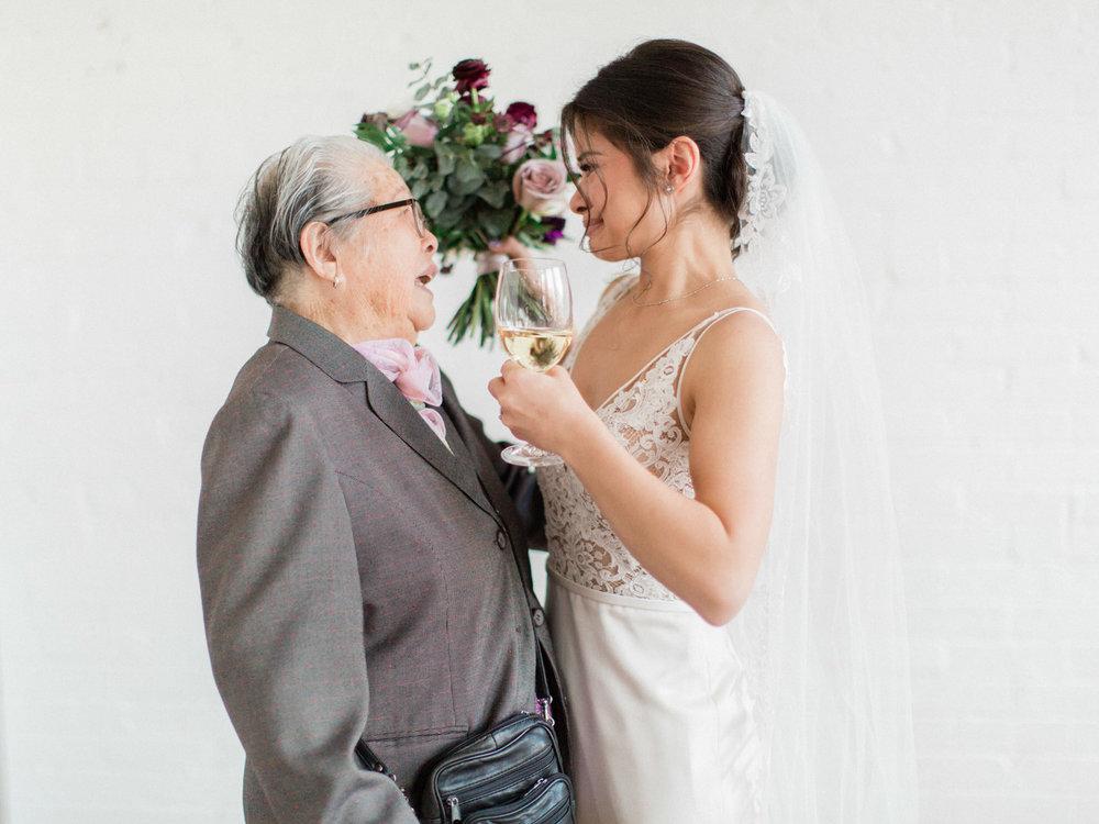 Toronto-wedding-photographer-intimate-italian-the-burroughes-downtown103.jpg