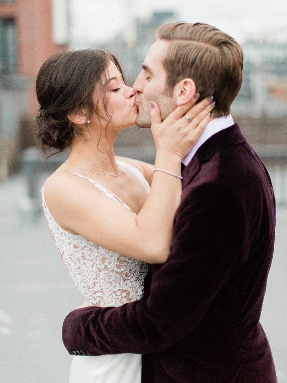 Toronto-wedding-photographer-intimate-italian-the-burroughes-downtown122.jpg