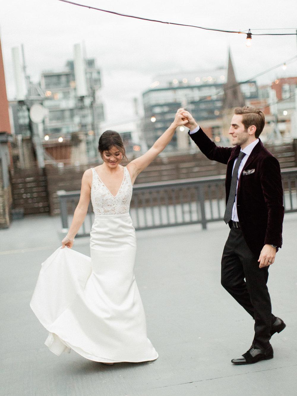 Toronto-wedding-photographer-intimate-italian-the-burroughes-downtown125.jpg