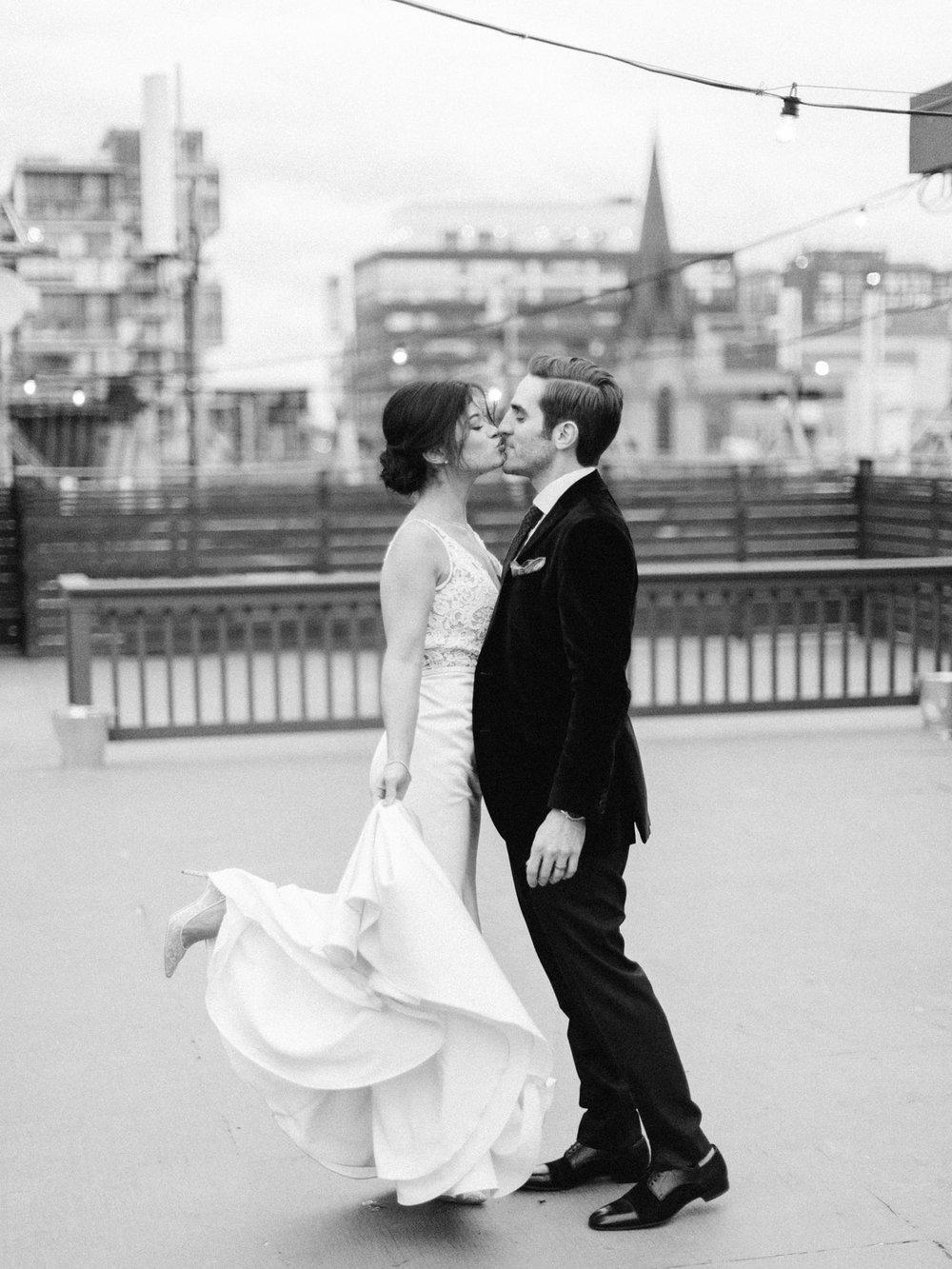 Toronto-wedding-photographer-intimate-italian-the-burroughes-downtown127.jpg