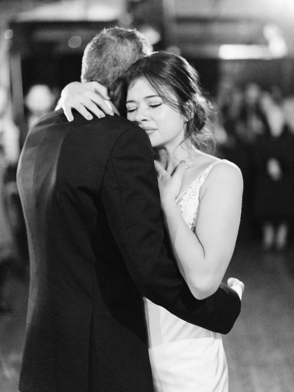 Toronto-wedding-photographer-intimate-italian-the-burroughes-downtown160.jpg