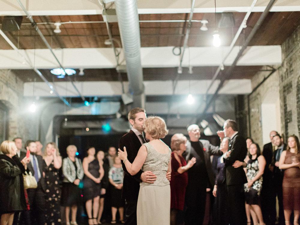 Toronto-wedding-photographer-intimate-italian-the-burroughes-downtown164.jpg