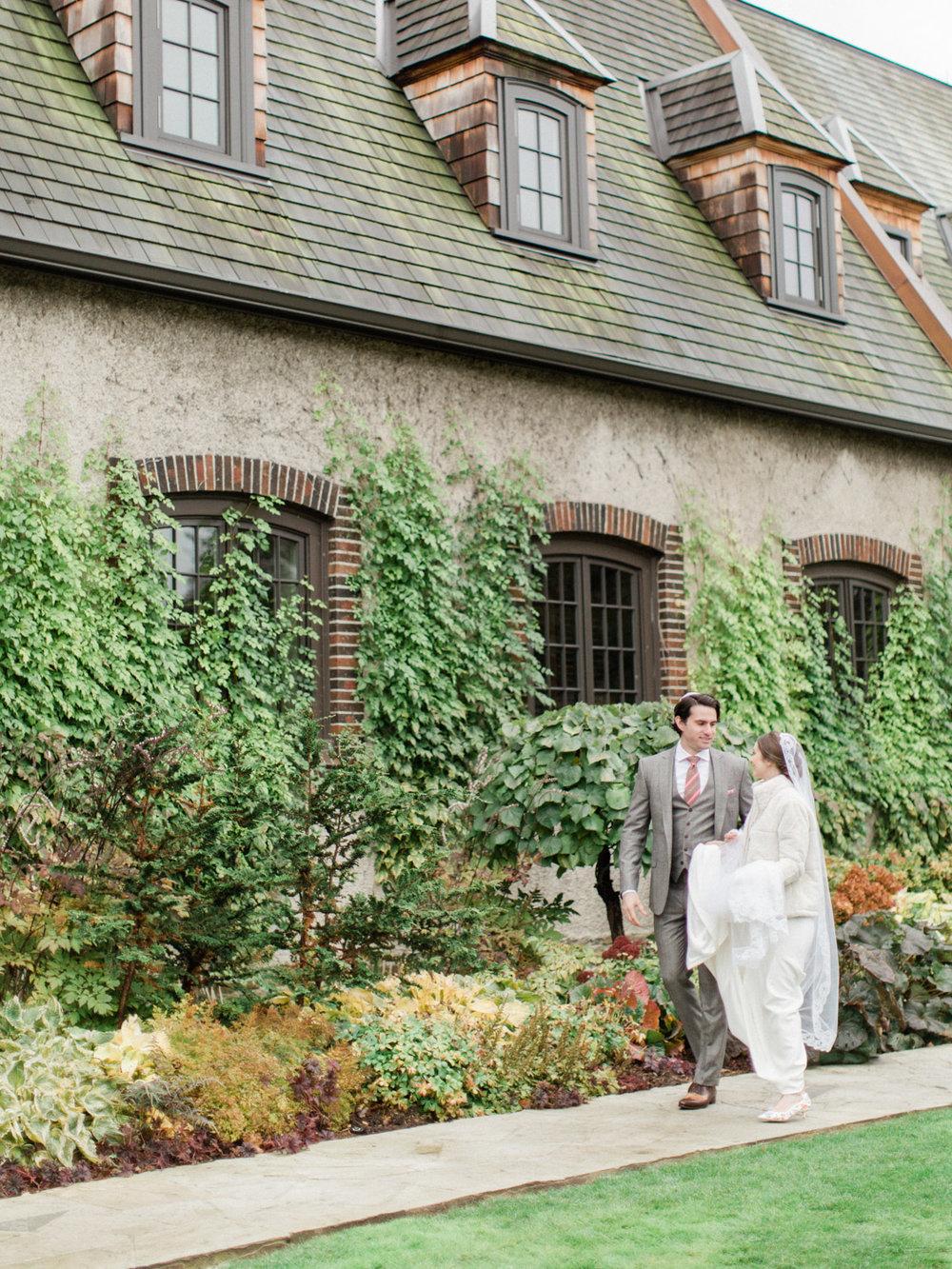 Toronto-wedding-photographer-st-georges-golf-club-jewish-modern-fall34.jpg