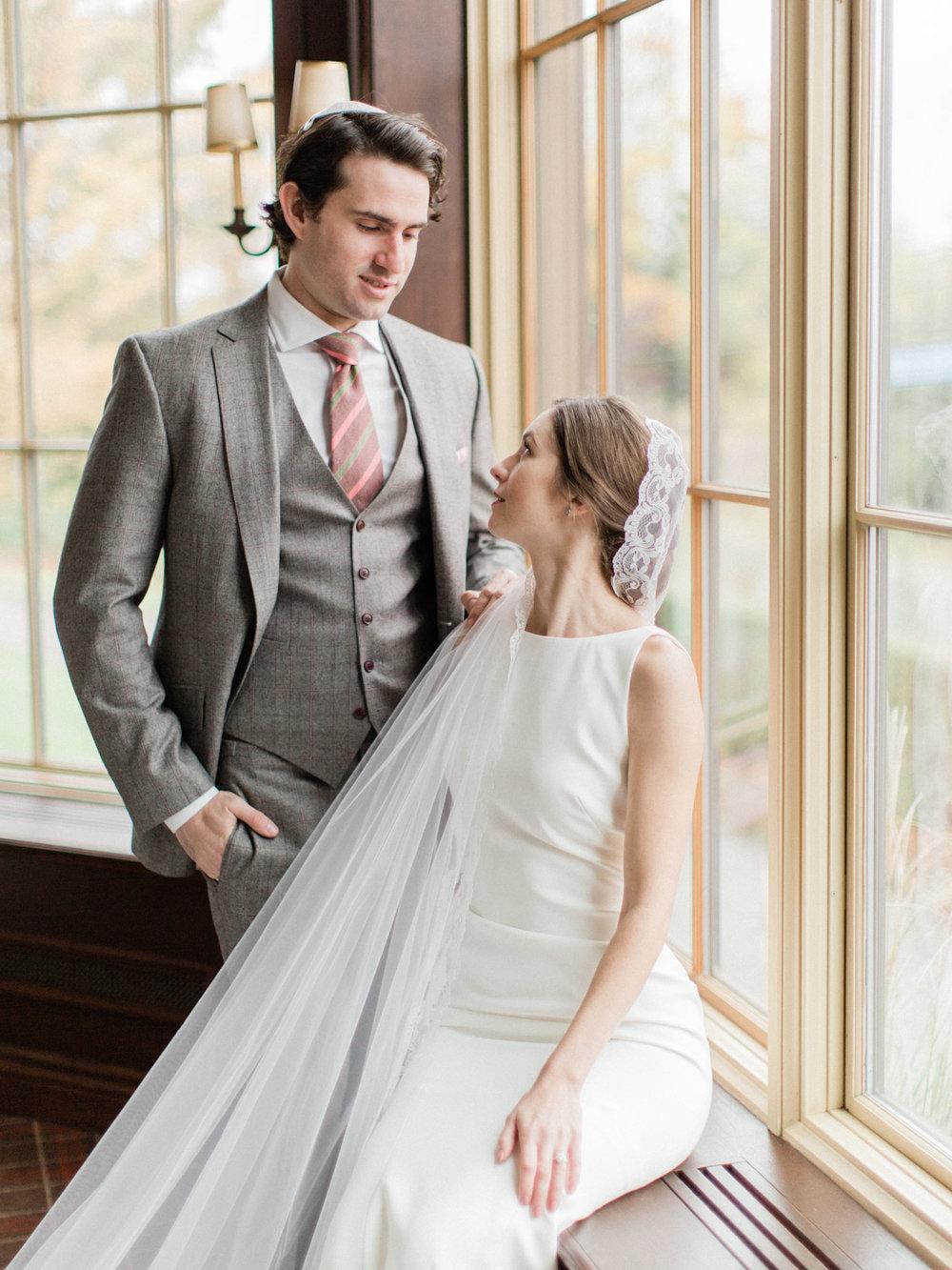 Toronto-wedding-photographer-st-georges-golf-club-jewish-modern-fall40.jpg