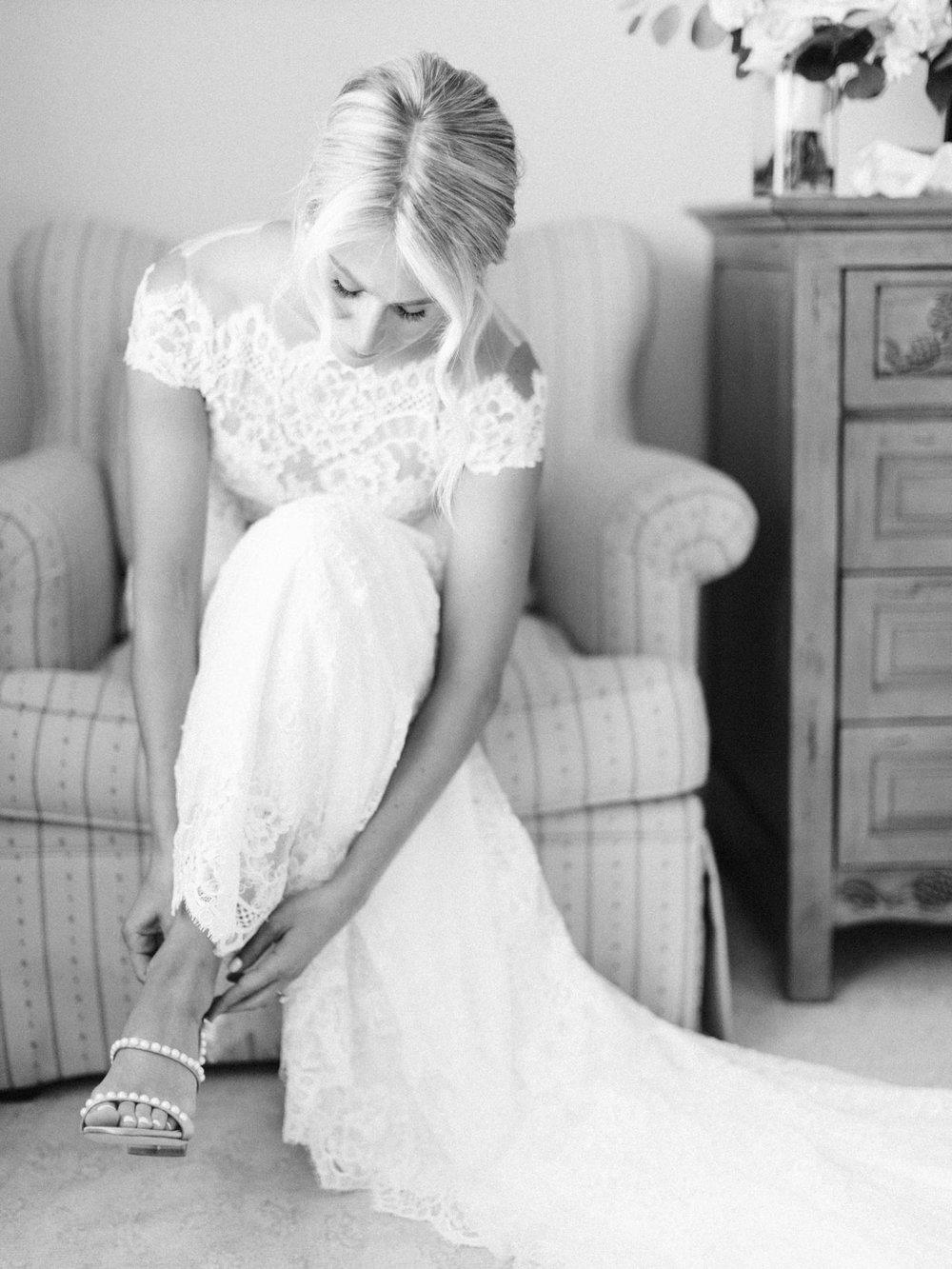 Toronto-Muskoka-wedding-photographer-summery-fun-documentary-the-marriott-rosseau24.jpg