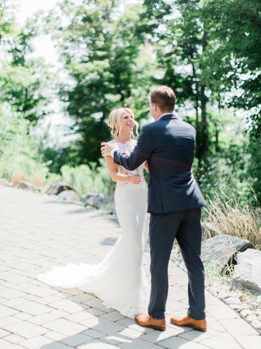 Toronto-Muskoka-wedding-photographer-summery-fun-documentary-the-marriott-rosseau31.jpg