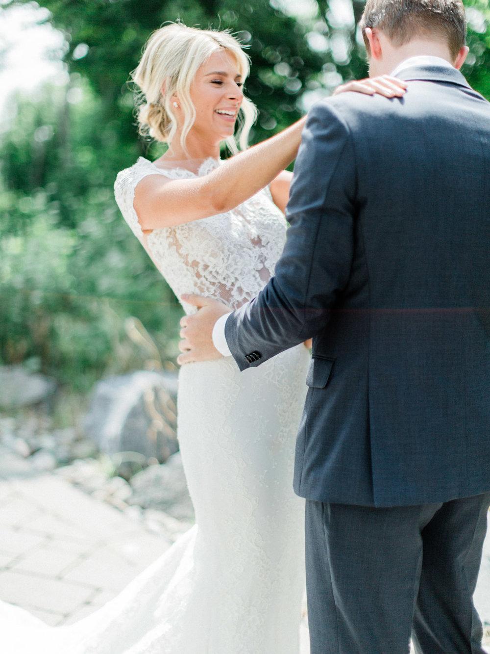 Toronto-Muskoka-wedding-photographer-summery-fun-documentary-the-marriott-rosseau33.jpg