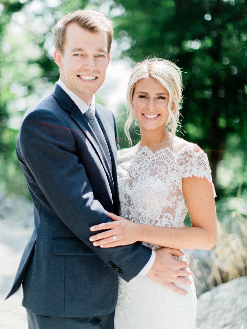 Toronto-Muskoka-wedding-photographer-summery-fun-documentary-the-marriott-rosseau37.jpg