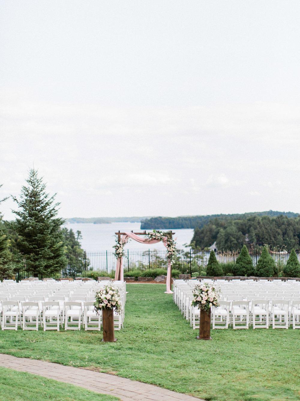 Toronto-Muskoka-wedding-photographer-summery-fun-documentary-the-marriott-rosseau65.jpg