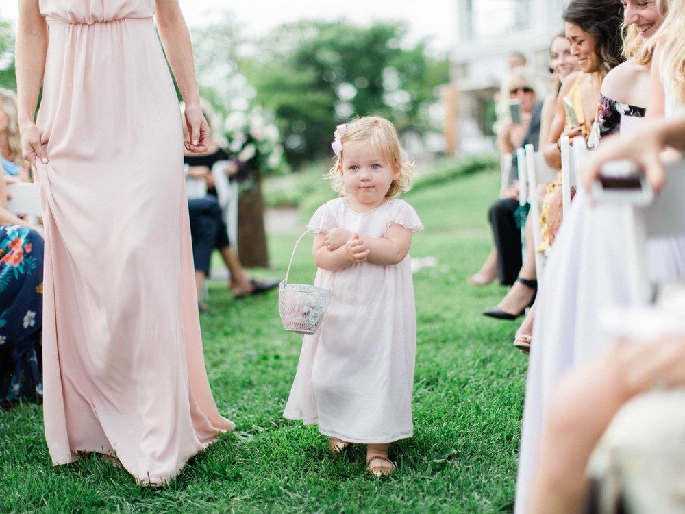 Toronto-Muskoka-wedding-photographer-summery-fun-documentary-the-marriott-rosseau73.jpg