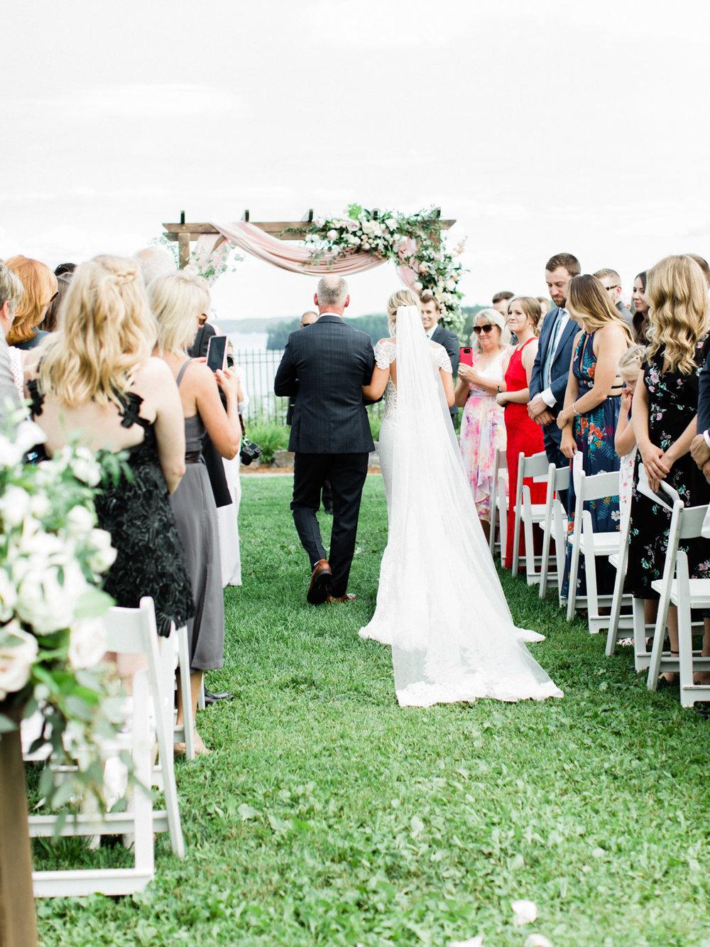 Toronto-Muskoka-wedding-photographer-summery-fun-documentary-the-marriott-rosseau76.jpg