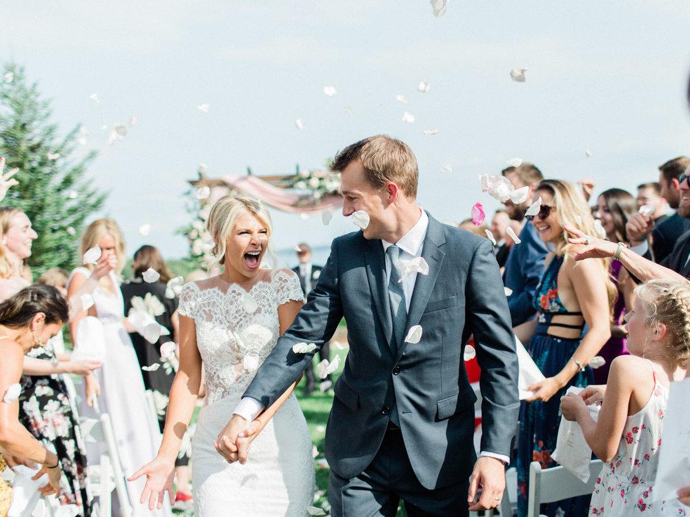 Toronto-Muskoka-wedding-photographer-summery-fun-documentary-the-marriott-rosseau89.jpg
