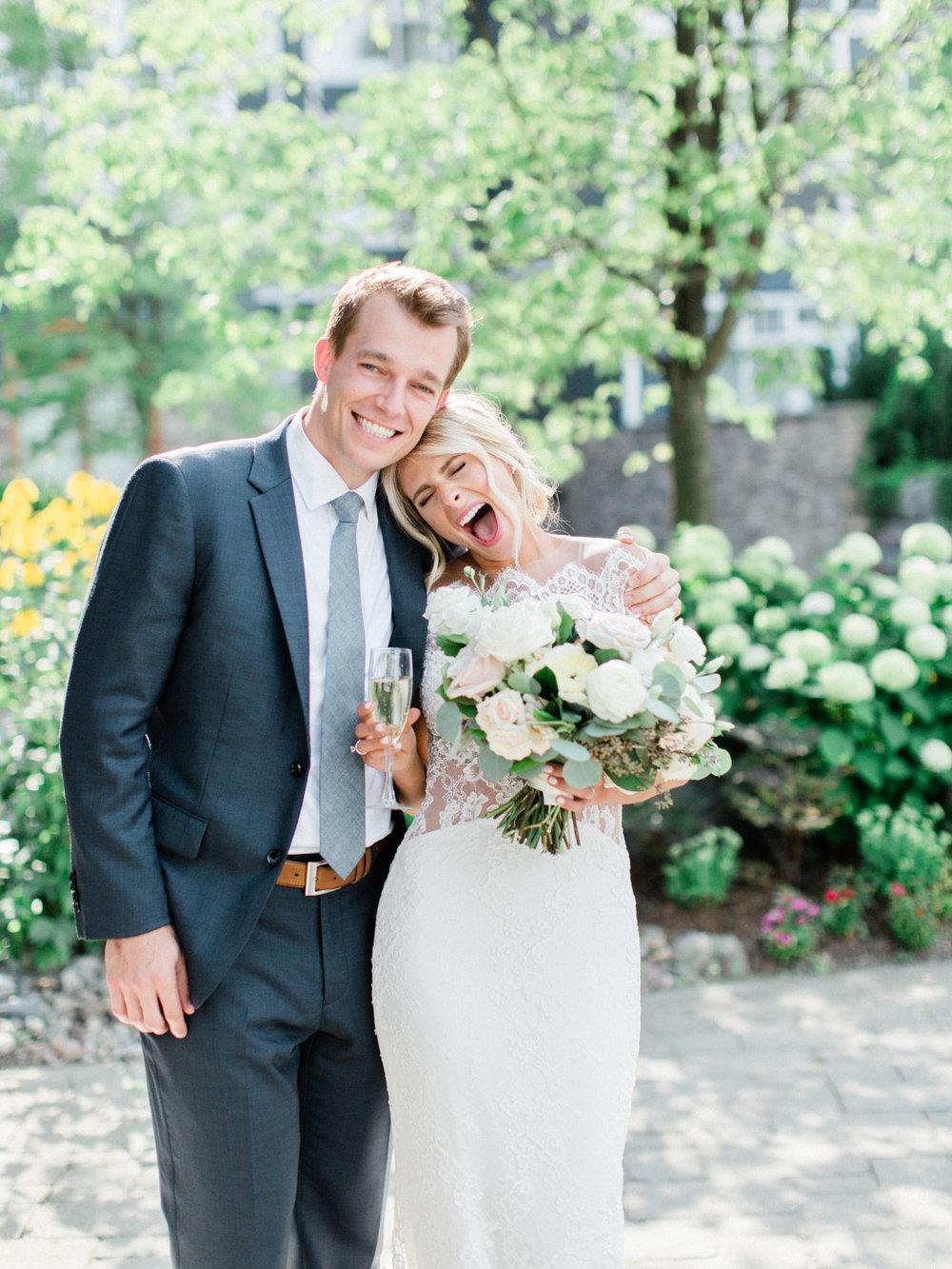 Toronto-Muskoka-wedding-photographer-summery-fun-documentary-the-marriott-rosseau92.jpg