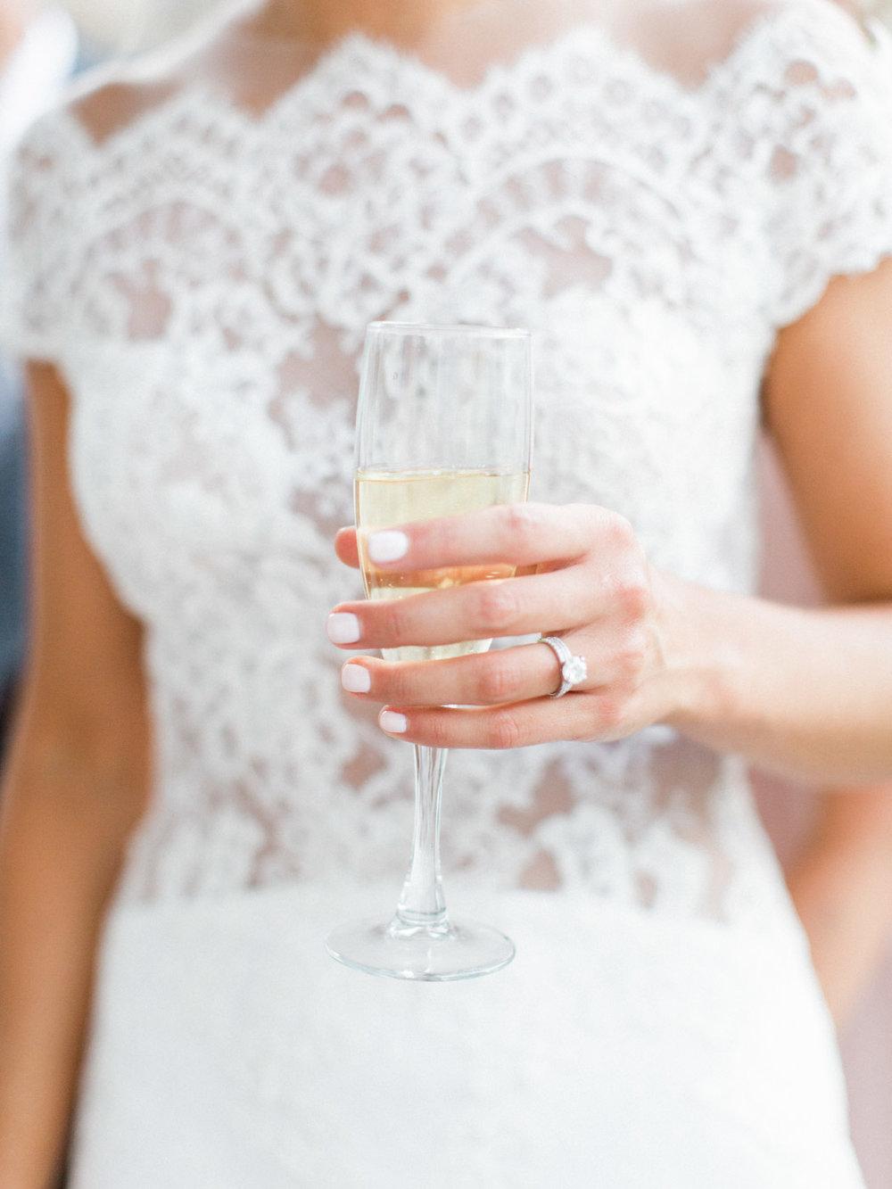 Toronto-Muskoka-wedding-photographer-summery-fun-documentary-the-marriott-rosseau98.jpg