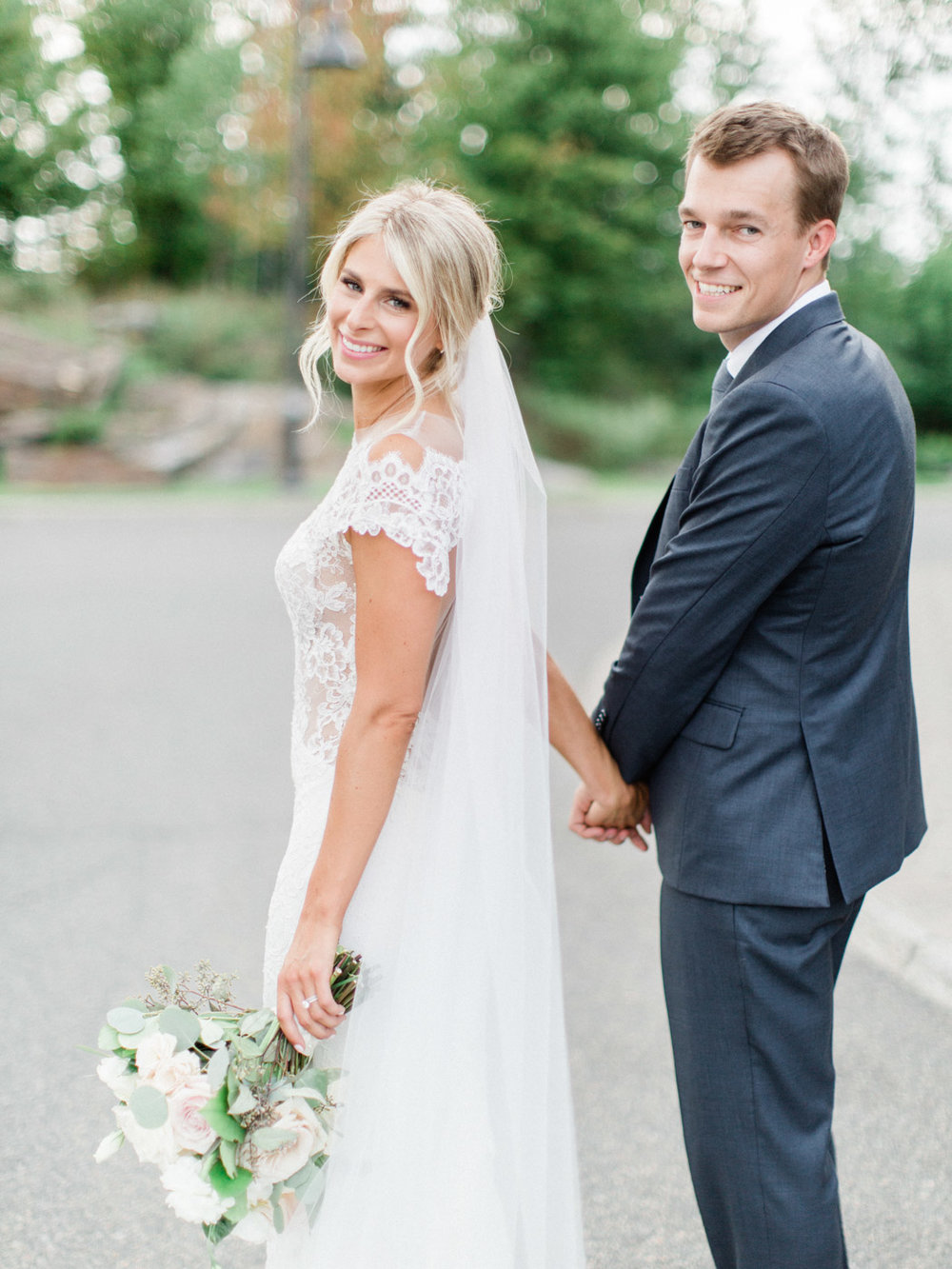 Toronto-Muskoka-wedding-photographer-summery-fun-documentary-the-marriott-rosseau102.jpg