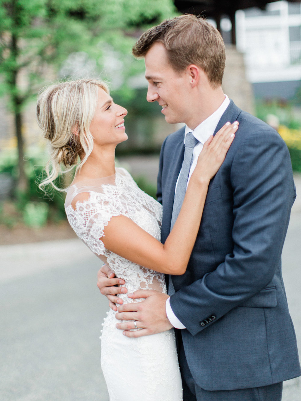 Toronto-Muskoka-wedding-photographer-summery-fun-documentary-the-marriott-rosseau105.jpg