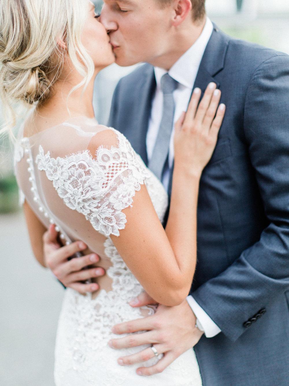 Toronto-Muskoka-wedding-photographer-summery-fun-documentary-the-marriott-rosseau107.jpg