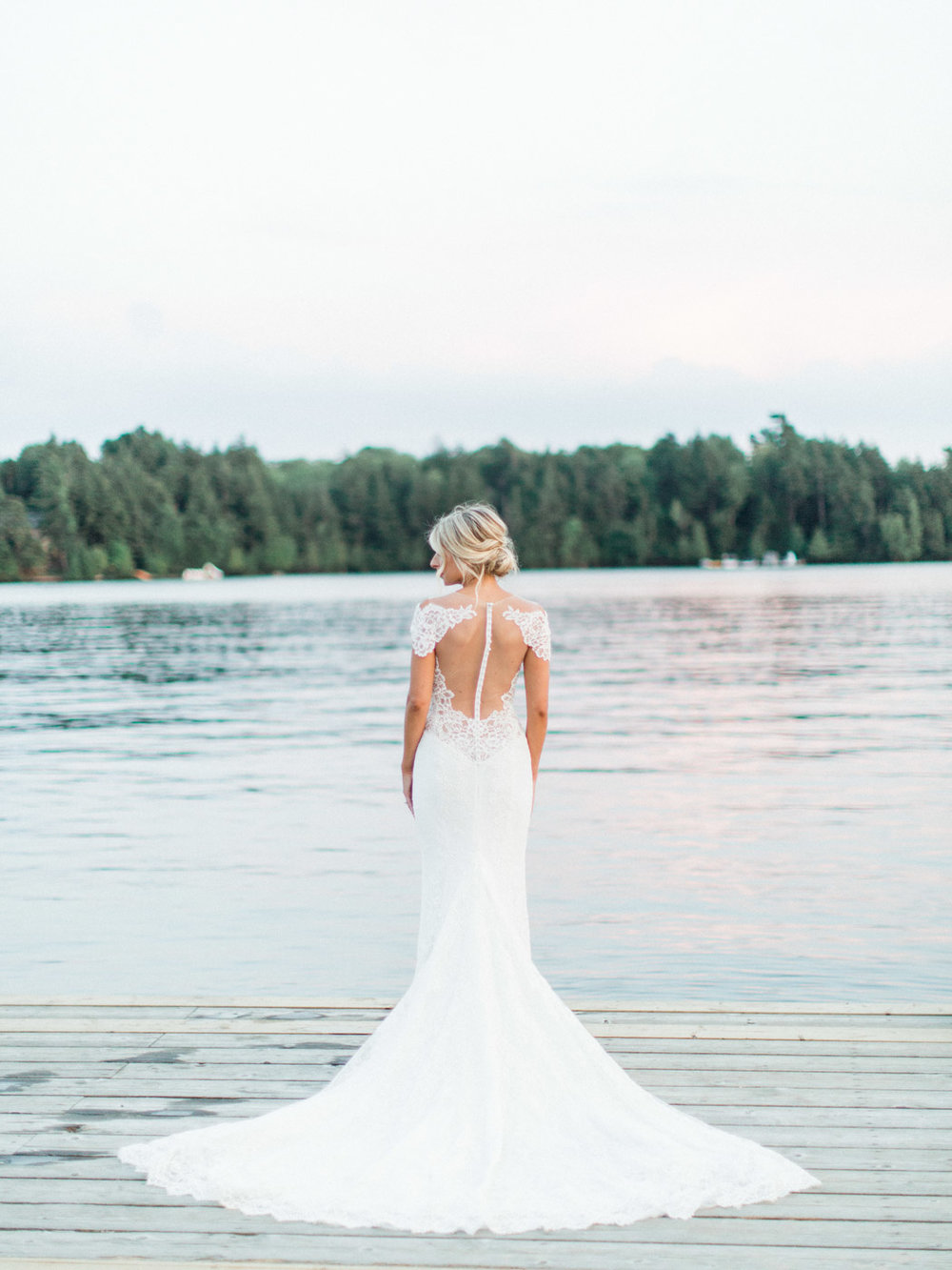 Toronto-Muskoka-wedding-photographer-summery-fun-documentary-the-marriott-rosseau125.jpg