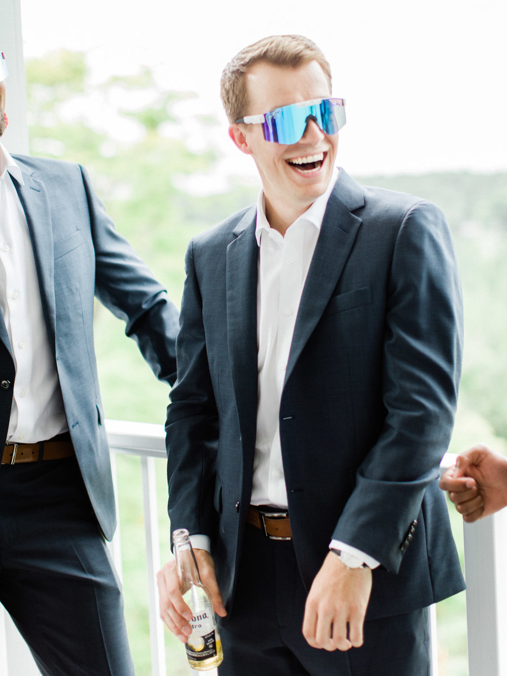 Toronto-Muskoka-wedding-photographer-summery-fun-documentary-the-marriott-rosseau25.jpg