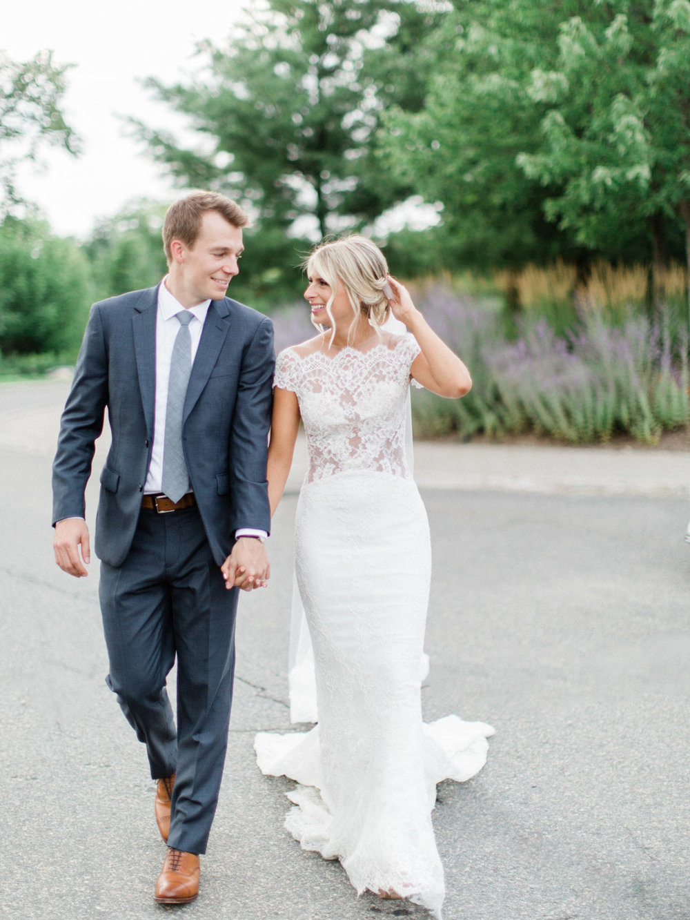 Toronto-Muskoka-wedding-photographer-summery-fun-documentary-the-marriott-rosseau103.jpg