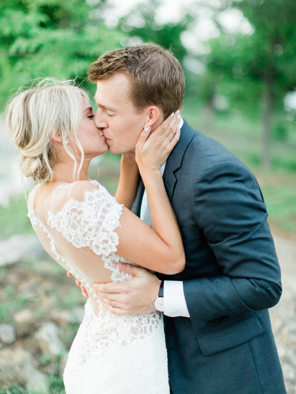 Toronto-Muskoka-wedding-photographer-summery-fun-documentary-the-marriott-rosseau122.jpg