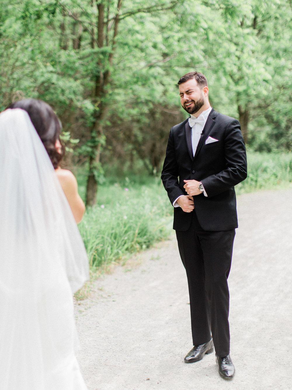 Toronto-Collingwood-Muskoka-Wedding-photographer-planning-first-look7.jpg