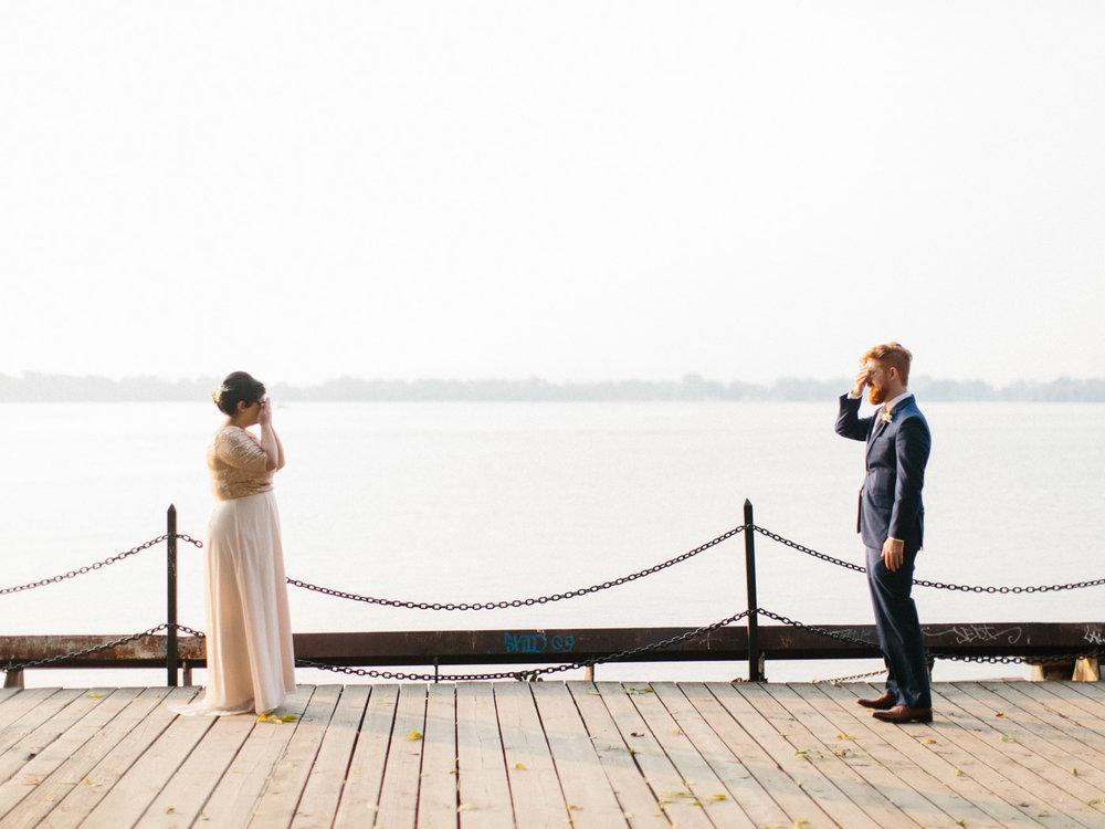 Toronto-Collingwood-Muskoka-Wedding-photographer-planning-first-look2.jpg