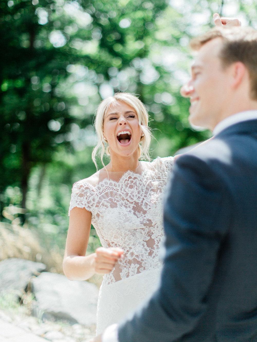 Toronto-Collingwood-Muskoka-Wedding-photographer-planning-first-look5.jpg
