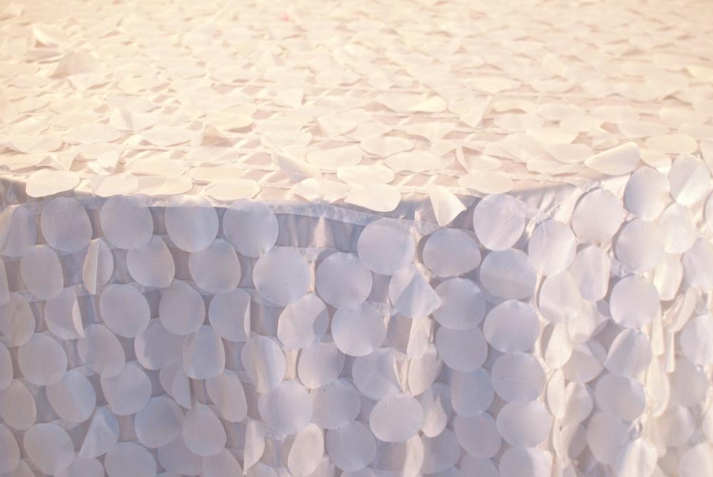Petal Design - White
