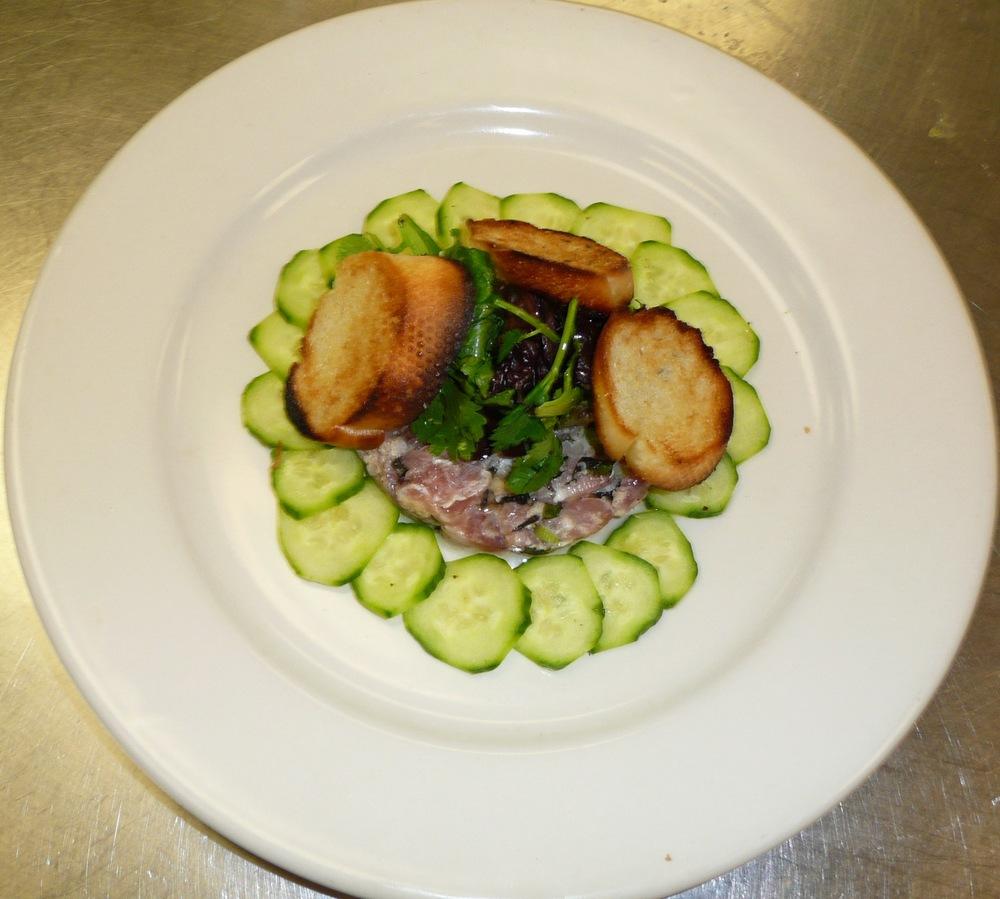 Salad_Contem_Tuna_Tartar.JPG