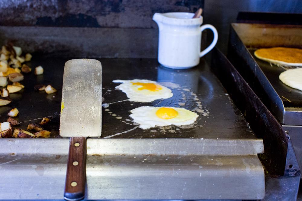 BuckHillFarm-breakfast-110.jpg