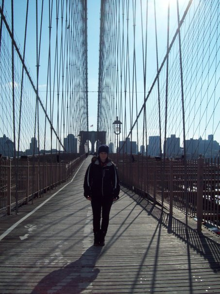 BROOKLYN BRIDGE, BRAH. Keep to the people lane!