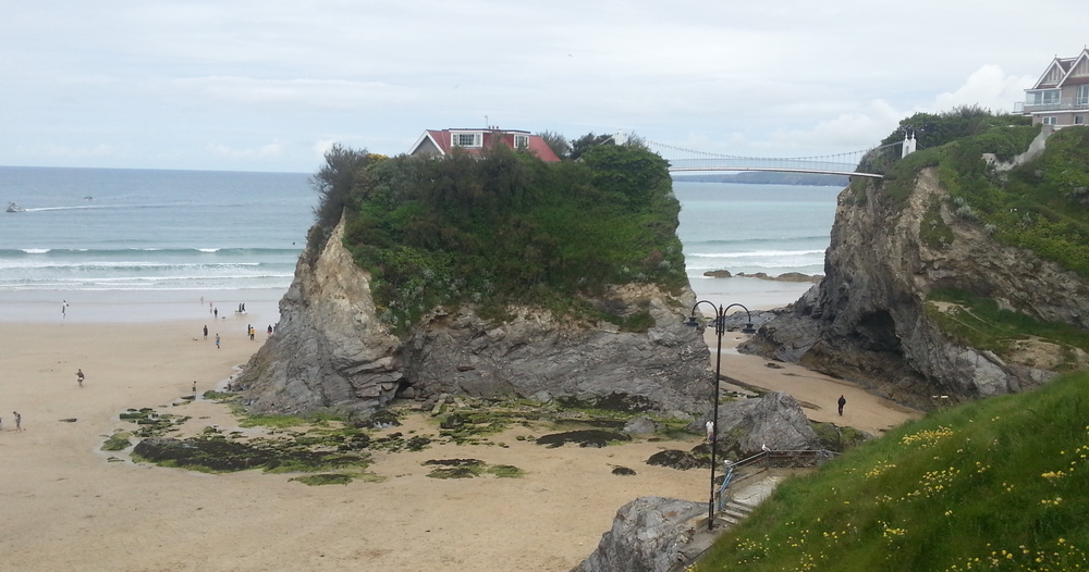 This house in Newquay is precariously perched on top of a rock, linked only by footbridge. Taran wanted to get to it so bad!