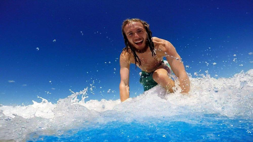 surfin'.JPG