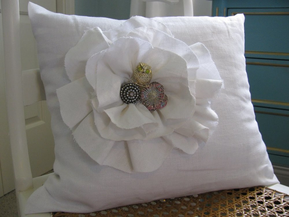 Brooch Pillow 2.jpg