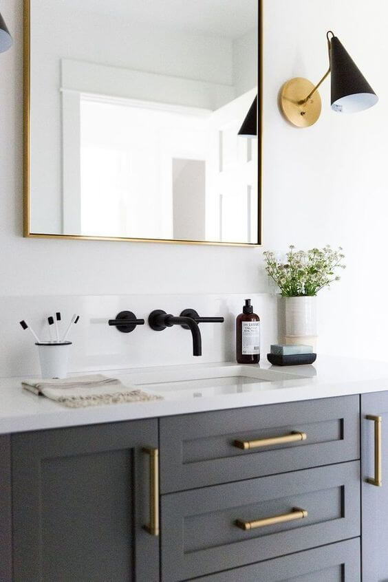 SOURCE: https://www.studio-mcgee.com/bathroom/tm7hkvq7spfyyrr7iibwkwbmpvqx40