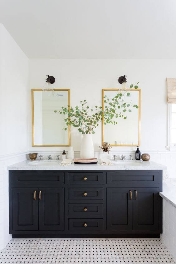 SOURCE: https://jessicapaster.com/bathroom-jack-and-jill-ideas/