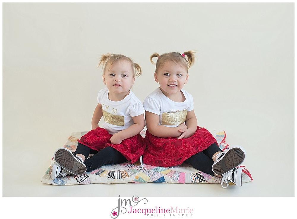 twin sisters photography | toddler photography | Columbus Ohio photographer | children photography Columbus Ohio |  Columbus Ohio baby photographer | Columbus Ohio child photographer | twin sisters | Jacqueline Marie Photography LLC