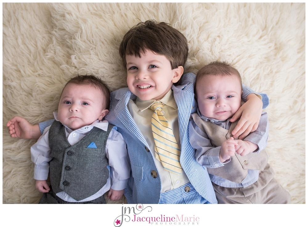 Columbus Ohio Photographer | Twin boys | Columbus baby photographer | Columbus twin photography | Siblings | Brothers