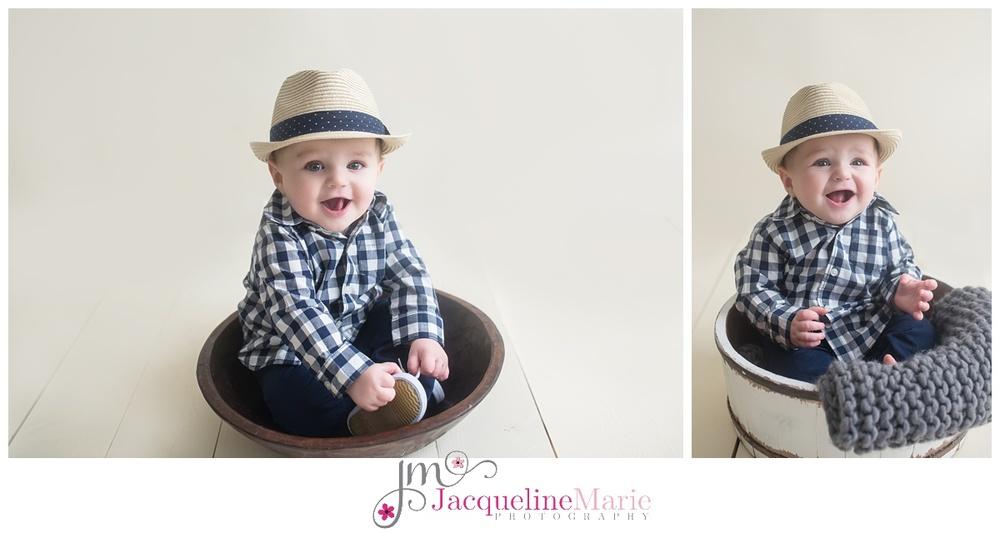 6 month baby boy sitter pose | neutral baby boy image | baby photographer Columbus Ohio | children photography Columbus Ohio | Jacqueline Marie Photography LLC