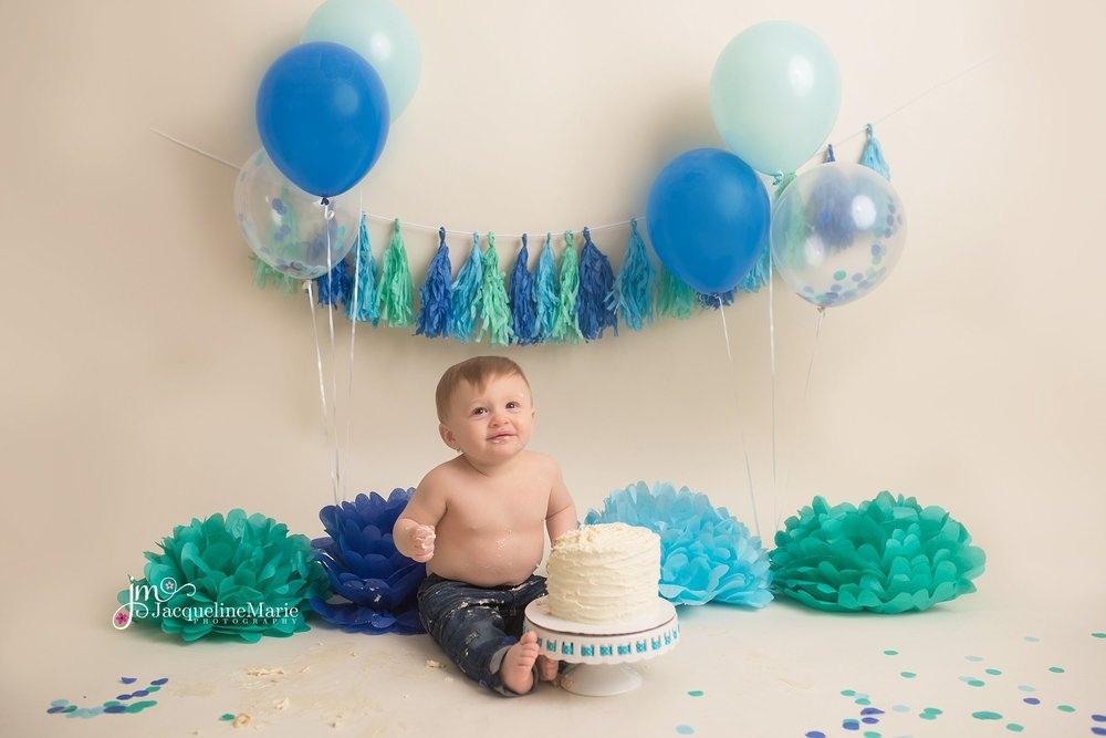 Pataskala Ohio photographer | cake smash photography | Columbus Ohio cake smash | Colubus Ohio child photographer | baby boy cake smash | cake smash one year photography