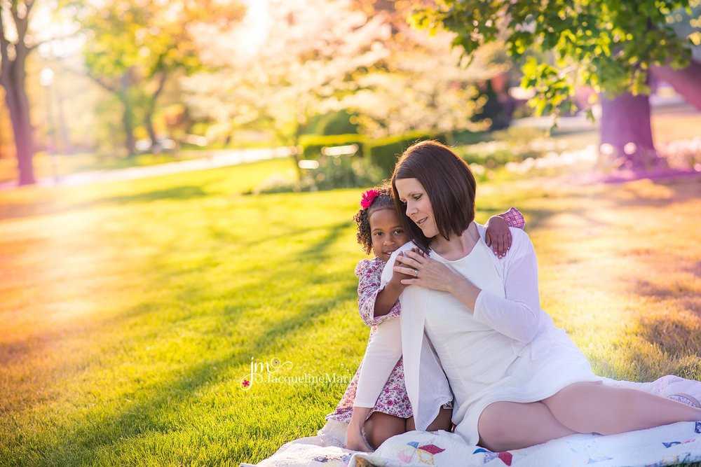 Mother and daughter photography | outdoor family photography | mother and daughter pose | Columbus family photographer