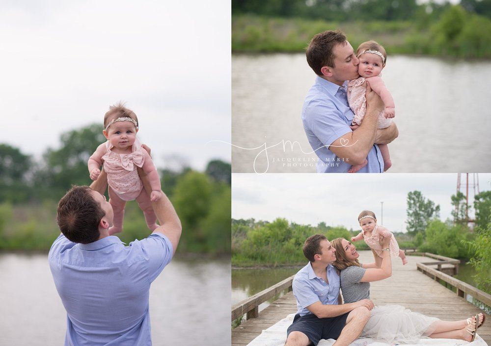 father and daughter photography, daddy holding baby pose, family portraits, Ohio baby photographer