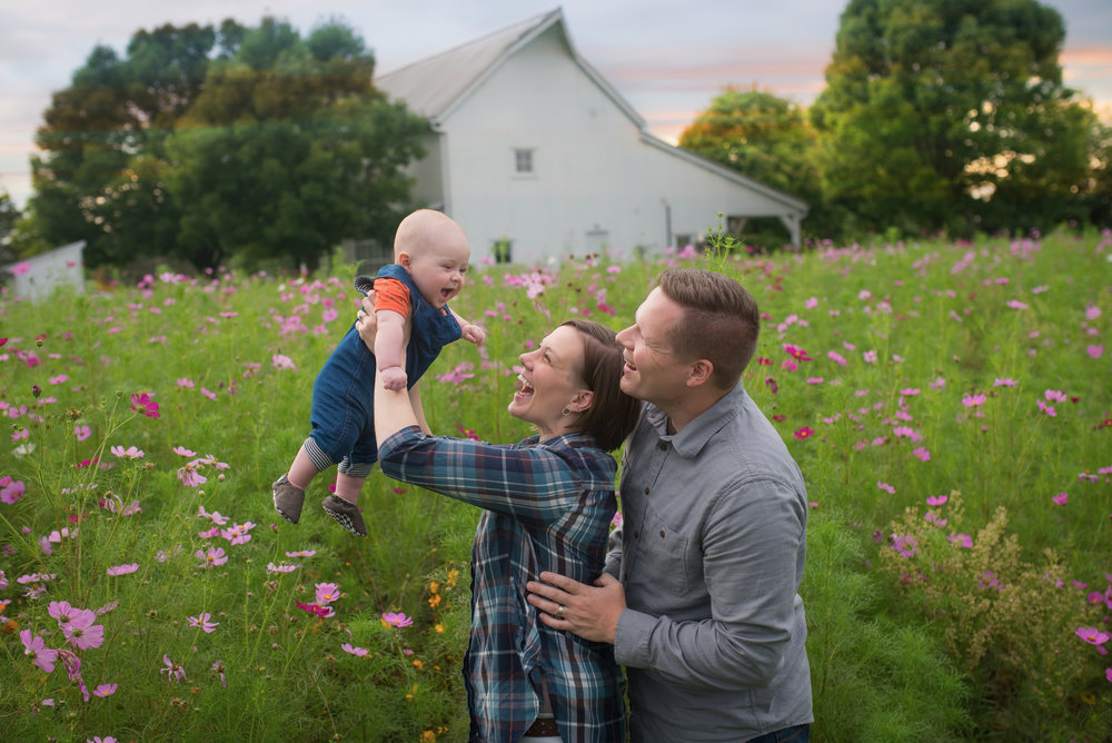 Columbus Ohio family photographer, Columbus Ohio family portraits, happy family, beautiful family session, best family location, sunset family session