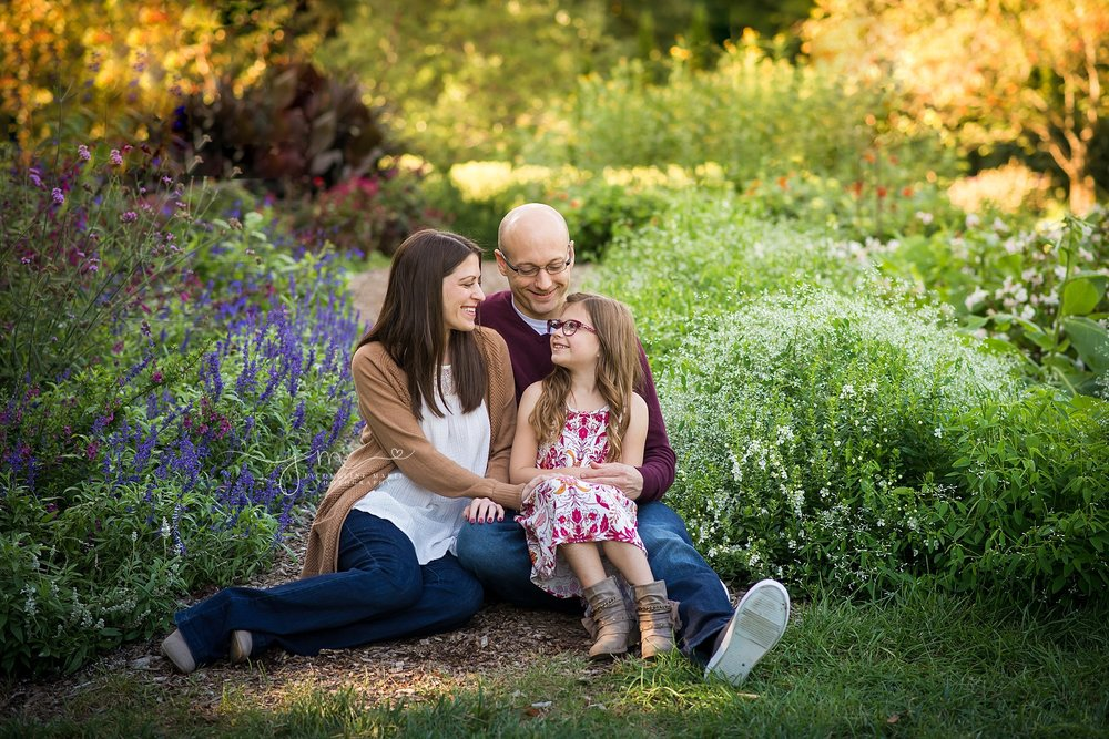 Columbus photographer, family photography, Inniswoods, fall family portraits, family of three, Family photographer Columbus Ohio