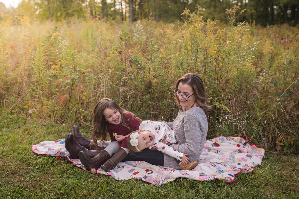 family photographer Columbus Ohio, family photography, Columbus Ohio children photographer, fall family session, mother and daughter photos
