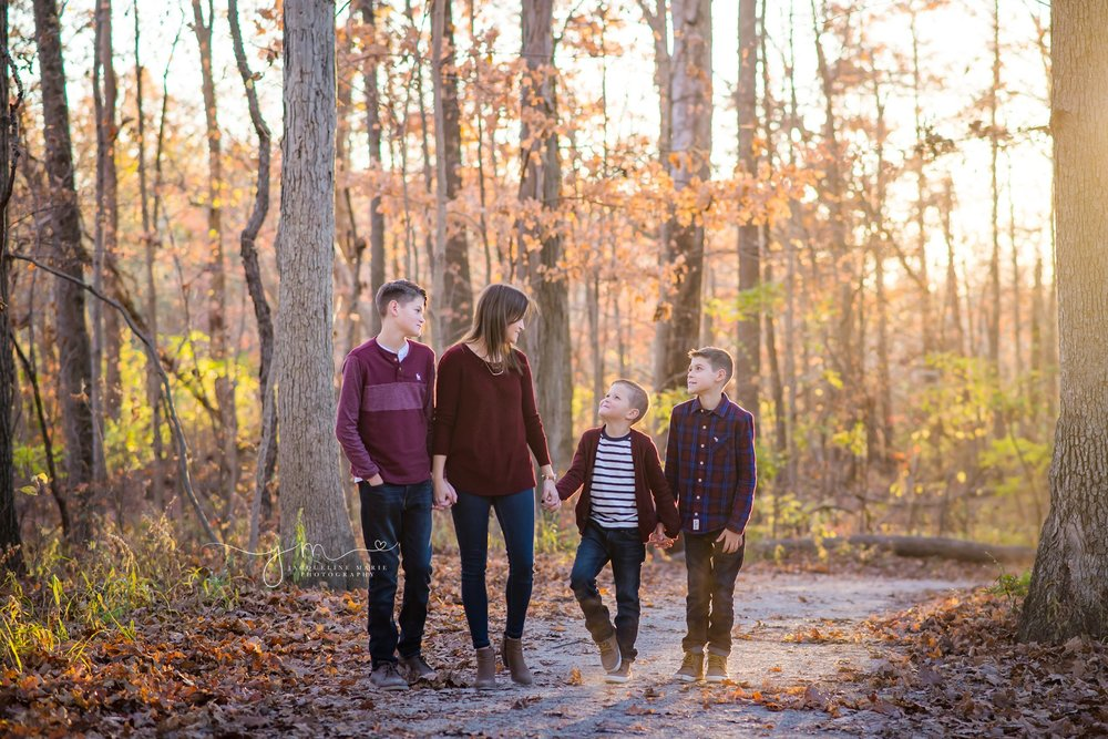 family photography Columbus Ohio, sibling photography, brothers, sibling pose, children photographer Columbus Ohio, fall family photos, mother and children photography