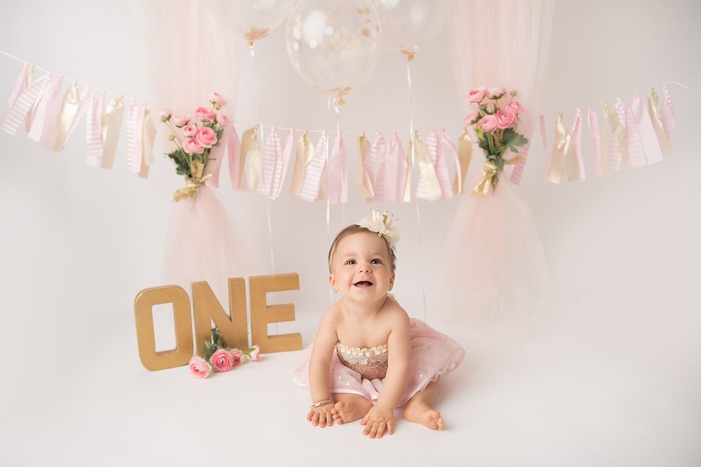 firstbirthdayphotographer-columbusohio-jacquelinemariephotography-2.jpg